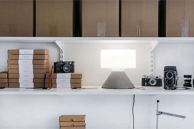 Bordslampa Concrete 23 cm Rund LED Betonggrå - Innolux - Belysning - Inomhusbelysning & Lampor - Bordslampa