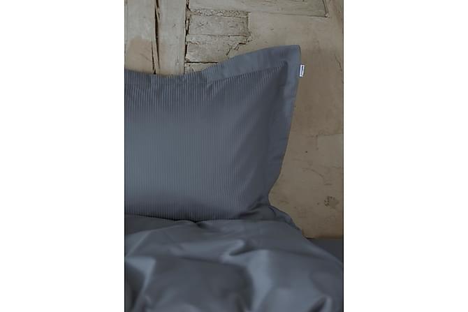 Bäddset Turistripe 220x230 cm Satin Kolgrå - Turiform - Inredning - Textilier - Sängkläder